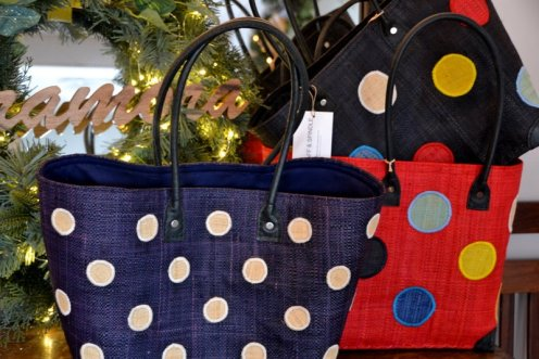 Mini dot available in navy/cream, Large dot available in red, black, navy