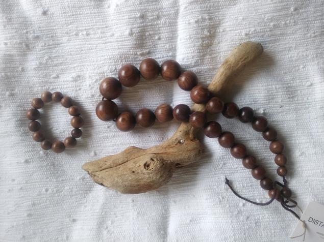Palissandre (Madagascar rosewood) necklace and bracelet